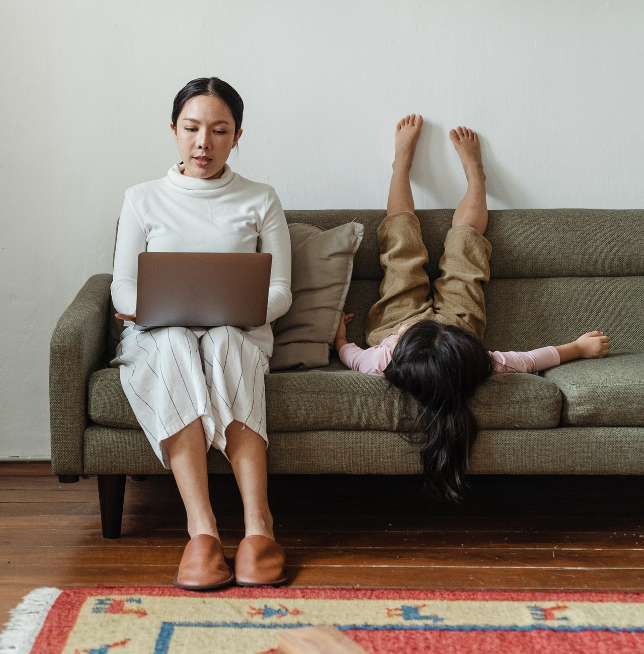 Balancing Parenting and Working from Home: 4 Tactical Tips