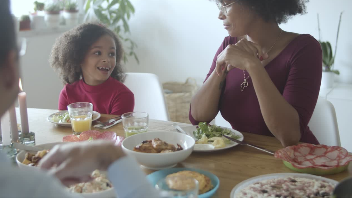 9 Traditions That Instantly Bring Families Closer Together